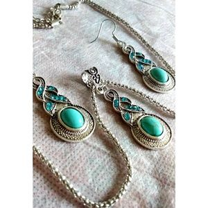 Vintage style blue resin necklace & earrings set
